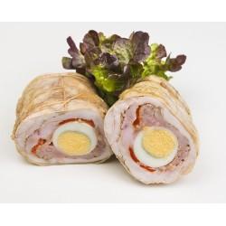 Pechugas pollo rellenas de pimiento rojo y huevo.